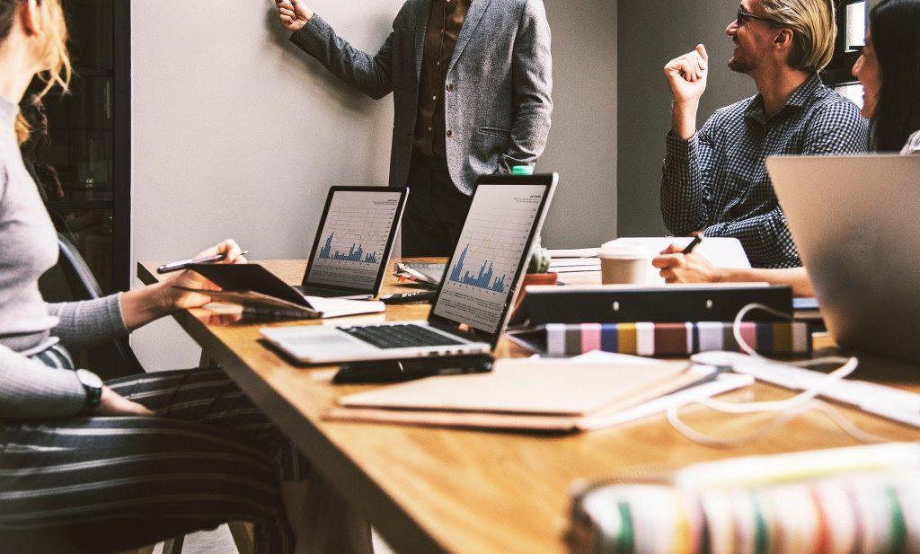 Comment réussir votre première réunion avec un client