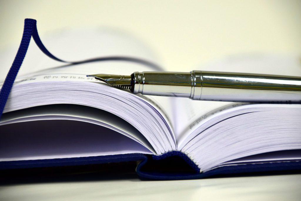 10 habitudes simples pour vous aider à écrire votre premier livre
